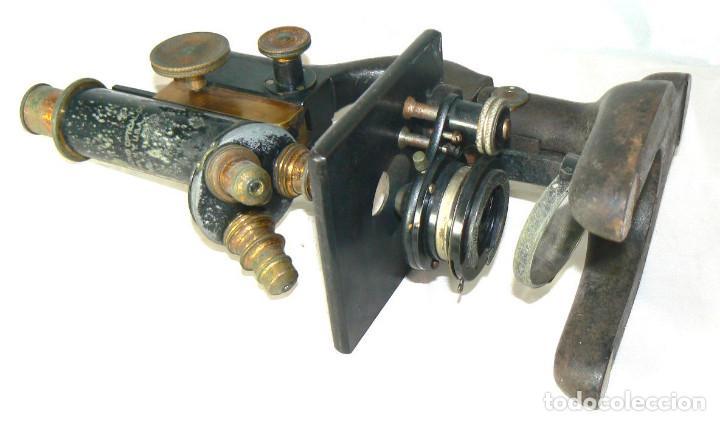 Antigüedades: Antiguo microscopio BAUSCH & LOMB de latón con tres lentes intercambiables - Foto 9 - 143303322