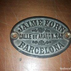 Antigüedades: CHAPA ANTIGUA MARCA JAIME FORN . BARCELONA . 6.5 X 4.5 CMS. Lote 143317270