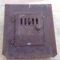 Antigüedades: ANTIGUA PUERTA COCINA HIERRO ESTUFA HORNO MACIZA FORJA PARA DECORACION, ADORNO, CASA RURAL. Lote 143335586