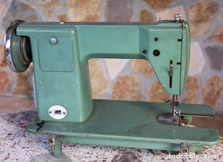 Antigüedades: Máquina de coser ALFA 60, años 60 - Foto 3 - 143706406