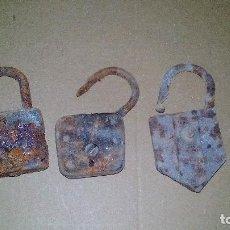 Antigüedades: LOTE DE 3 ANTIGOS CANDADOS PARA RESTAURAR - ZXY - VAL. Lote 143714798