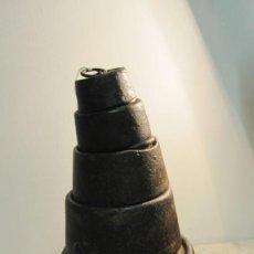 Antigüedades: JUEGO DE PESAS EN HIERRO DEL XIX. Lote 143719870