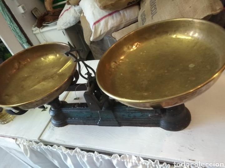 Antigüedades: BALANZA / BASCULA 20 KG DOS PLATOS - Foto 3 - 143737882