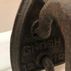 Antigüedades: ANTIGUA PLANCHA DE HIERRO GHOSH 1232 IRON. Lote 143748002