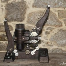 Antigüedades: PROYECTOR BELL & HOWELL. Lote 143772458
