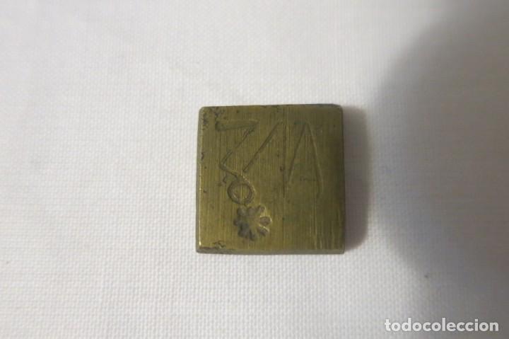 Antigüedades: ponderal farmaceutico siglo XVII - Foto 2 - 143855602