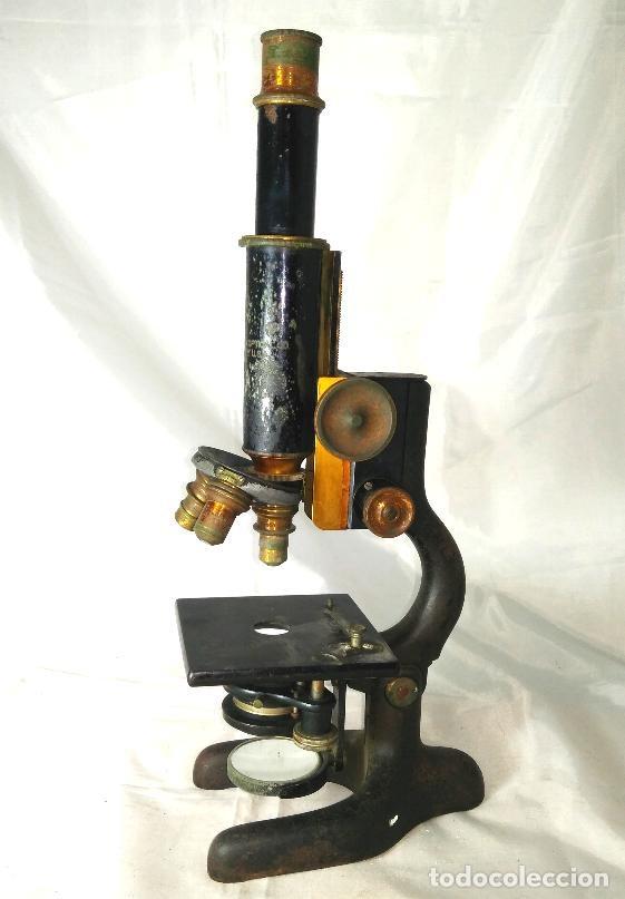 Antigüedades: Antiguo microscopio BAUSCH & LOMB de latón con tres lentes intercambiables - Foto 10 - 143303322