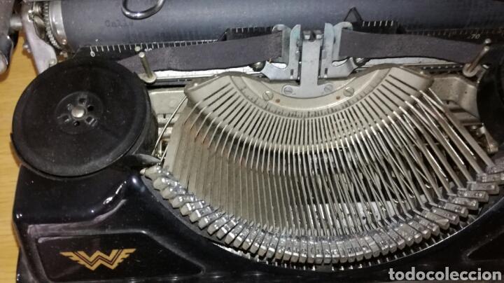 Antigüedades: Máquina de escribir marca continental en buen estado con señales de uso - Foto 2 - 144243090