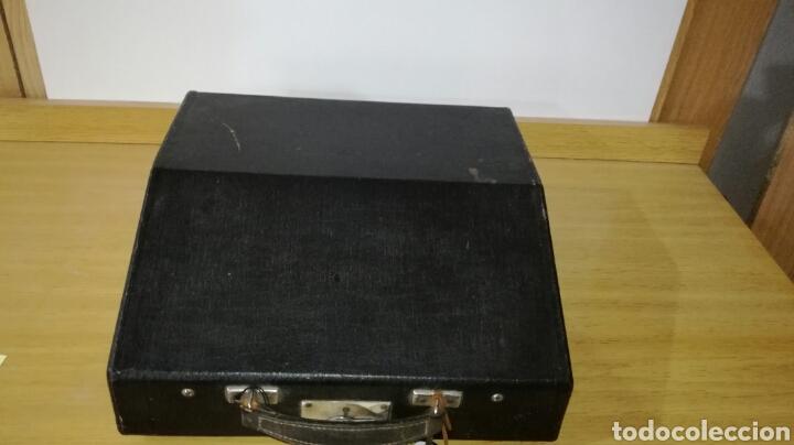 Antigüedades: Máquina de escribir marca continental en buen estado con señales de uso - Foto 4 - 144243090