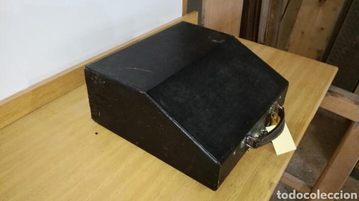 Antigüedades: Máquina de escribir marca continental en buen estado con señales de uso - Foto 5 - 144243090