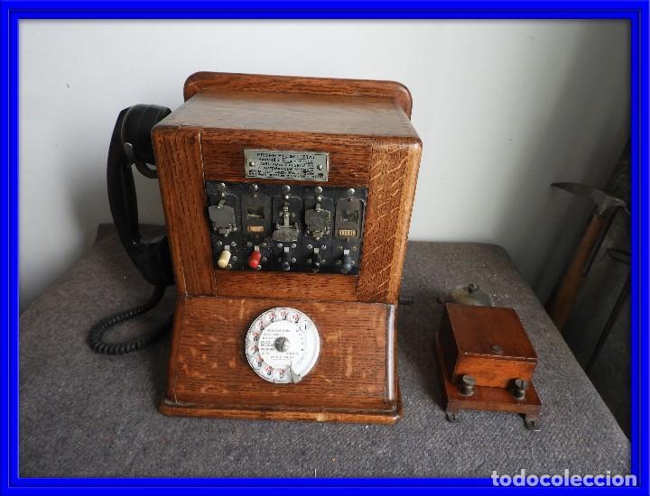 PRECIOSA CENTRALITA TELÉFONO ANTIGUO COMPLETO EN ROBLE AÑOS 50 (Antigüedades - Técnicas - Teléfonos Antiguos)
