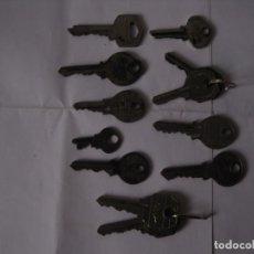 Antigüedades: LLAVES Y LLAVINES PARA PUERTAS Y CANDADO.-. Lote 144248242