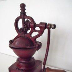 Antigüedades: MOLINILLO DE CAFÉ MARCA ELMA, MODELO 1411, TAMAÑO 00. ESPAÑA. CA. 1910/30. Lote 144277450