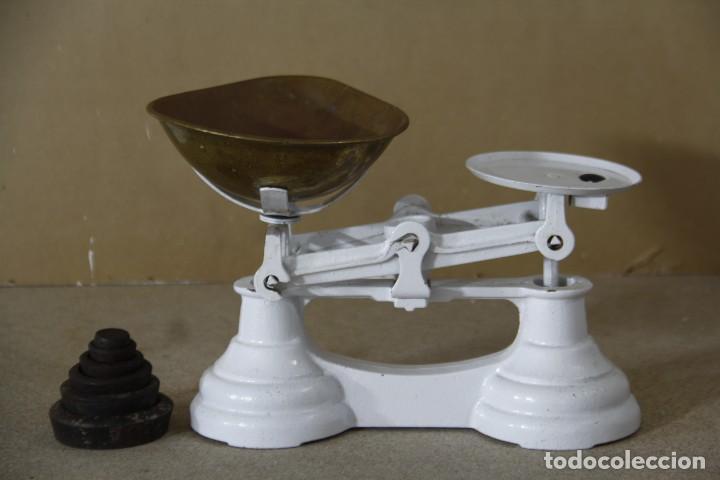 Antigüedades: Antigua balanza con sus pesas - Foto 2 - 144445490