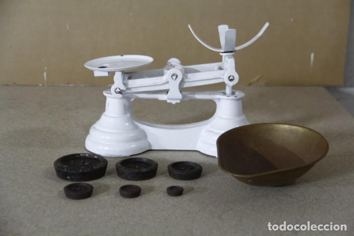 Antigüedades: Antigua balanza con sus pesas - Foto 3 - 144445490