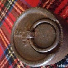 Antigüedades: ANTIGUA PESA DE 5 KILOS. Lote 144611622