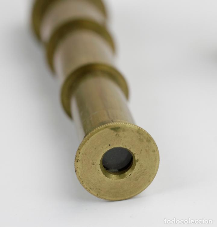 Antigüedades: Pequeño anteojo con estuche en cartón original, principios s. XIX. 17cm abierto. - Foto 4 - 144706482