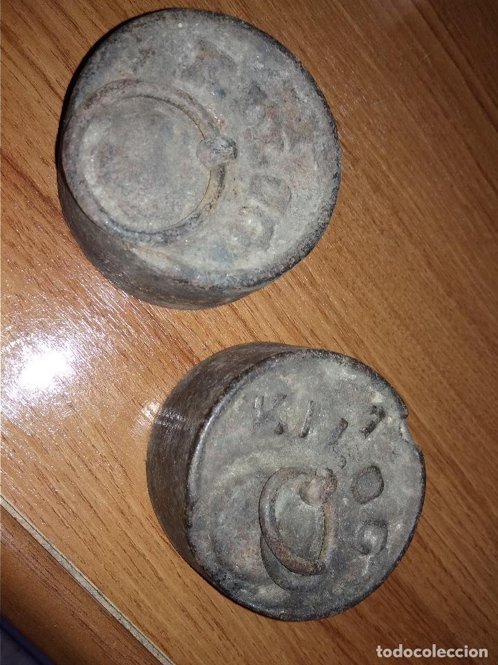 2 PESAS DE 1 KILO ANTIGUAS (Antigüedades - Técnicas - Medidas de Peso - Ponderales Antiguos)
