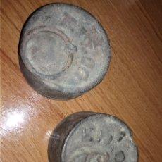 Antigüedades: 2 PESAS DE 1 KILO ANTIGUAS. Lote 144863190