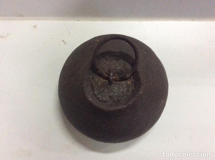 Antigüedades: Antigua pesa de 5 kilos - Foto 2 - 144878334