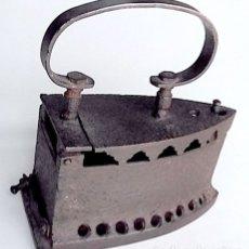 Antigüedades: PLANCHA DE HIERRO ANTIGUA. Lote 27074678