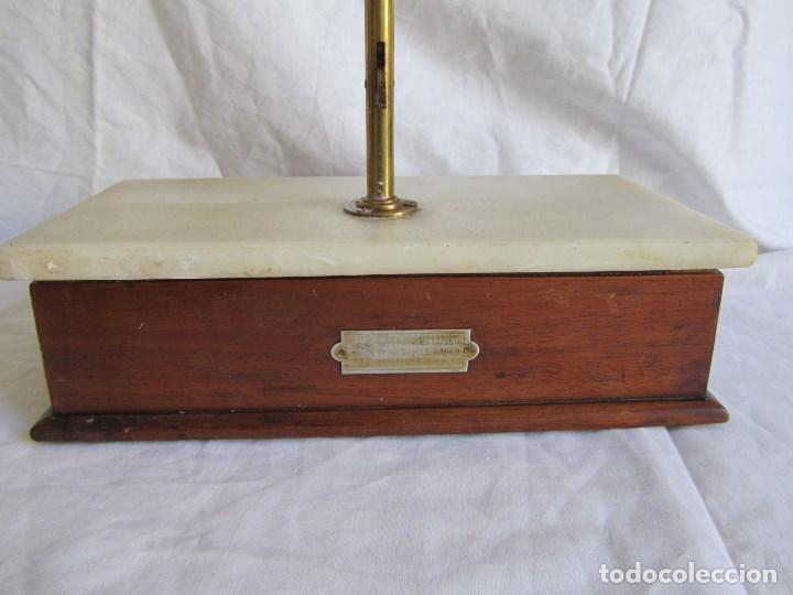 Antigüedades: Base para balanza Giralt Laporta Mármol sobre madera, cajón con pesas - Foto 11 - 145164242