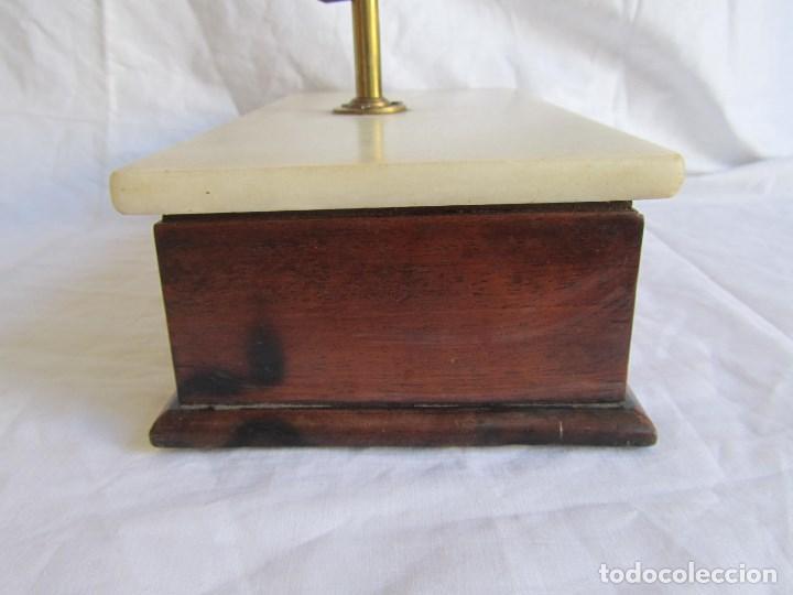 Antigüedades: Base para balanza Giralt Laporta Mármol sobre madera, cajón con pesas - Foto 13 - 145164242