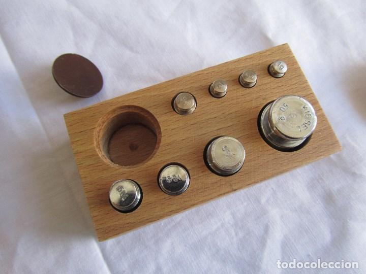 Antigüedades: Base para balanza Giralt Laporta Mármol sobre madera, cajón con pesas - Foto 22 - 145164242