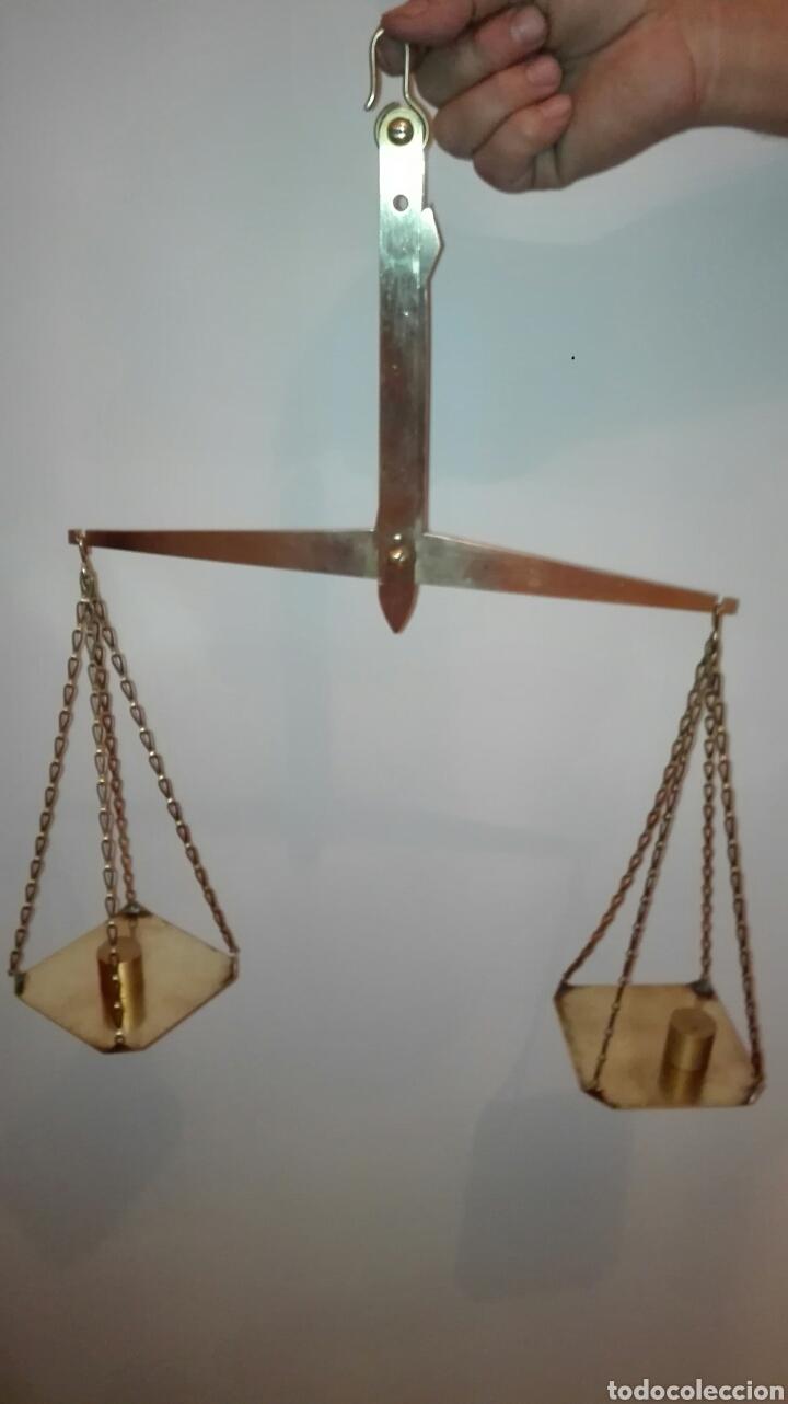 ANTIGUA BALANZA EN LATÓN. (Antigüedades - Técnicas - Medidas de Peso - Balanzas Antiguas)