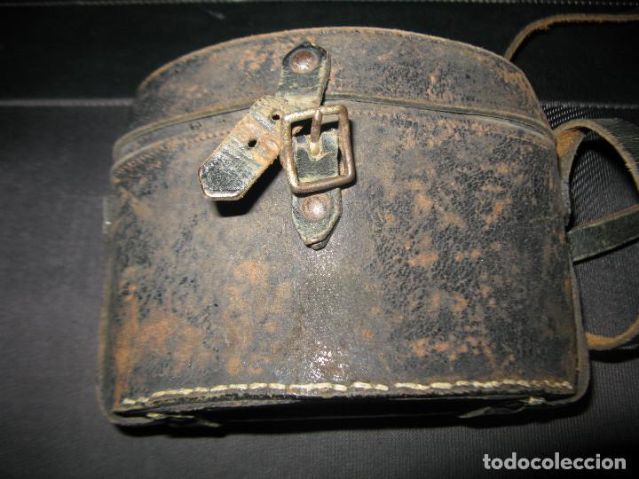 Antigüedades: funda cuero atras tiene grabado coruña -IMPERTINENTES OPERA PRISMATICOS ANTEOJOS BINOCULARES - Foto 4 - 145324630