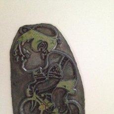 Antigüedades: CARICATURA CICLISTA 60X40 MM. Lote 145357850