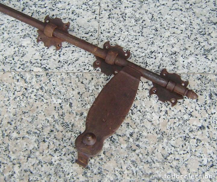 Antigüedades: Antigua falleba de porton.Marcada. - Foto 2 - 145534974