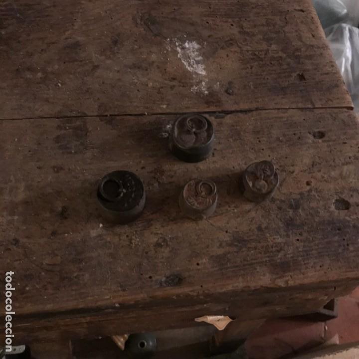Antigüedades: Lote de pesas antiguas. - Foto 22 - 145596398
