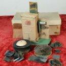 Antigüedades: PROYECTOR DE CINE. MARCA MICRO. HOJALATA. SALVADOR MESTRES. 1950. . Lote 145728290
