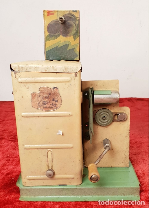 Antigüedades: PROYECTOR DE CINE. MARCA MICRO. HOJALATA. SALVADOR MESTRES. 1950. - Foto 5 - 145728290