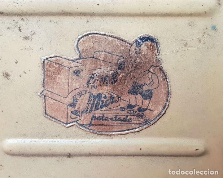 Antigüedades: PROYECTOR DE CINE. MARCA MICRO. HOJALATA. SALVADOR MESTRES. 1950. - Foto 8 - 145728290