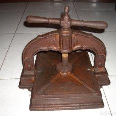 Antigüedades: ANTIGUA PRENSA DE LIBROS MUY BUEN ESTADO, VER FOTOS. Lote 145907038