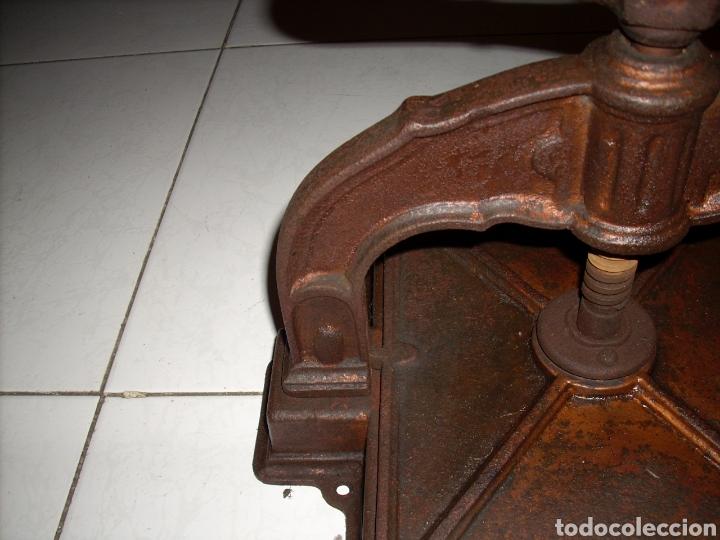 Antigüedades: Antigua Prensa de libros muy buen estado, ver fotos - Foto 4 - 145907038