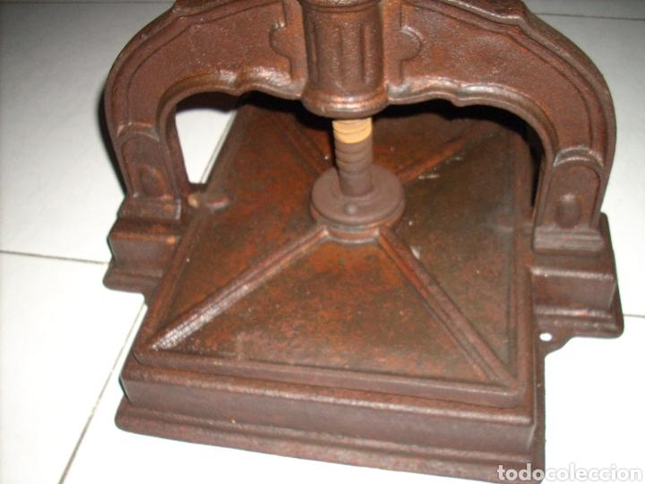 Antigüedades: Antigua Prensa de libros muy buen estado, ver fotos - Foto 7 - 145907038