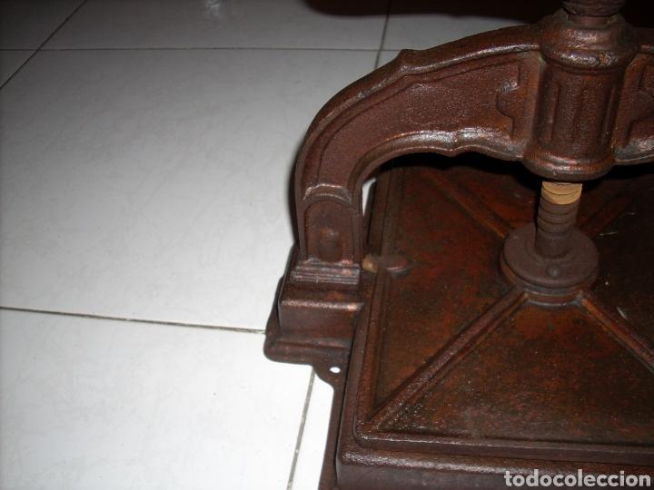 Antigüedades: Antigua Prensa de libros muy buen estado, ver fotos - Foto 8 - 145907038