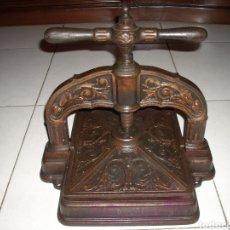 Antigüedades: EXCEPCINAL PRENSA DE LIBROS MUY BUEN ESTADO,VER FOTOS.. Lote 145907512