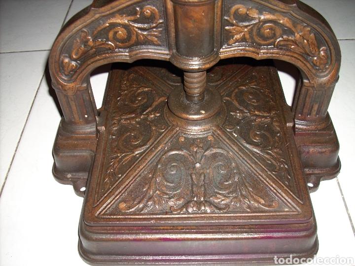 Antigüedades: Excepcinal Prensa de libros muy buen estado,Ver fotos. - Foto 2 - 145907512