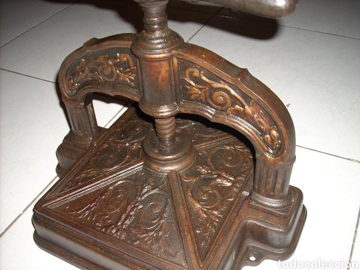 Antigüedades: Excepcinal Prensa de libros muy buen estado,Ver fotos. - Foto 8 - 145907512