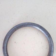 Antiguidades: ARO PARA LLAVES ANTIGUO HIERRO 4,10 CM DIÁMETRO. Lote 145989094