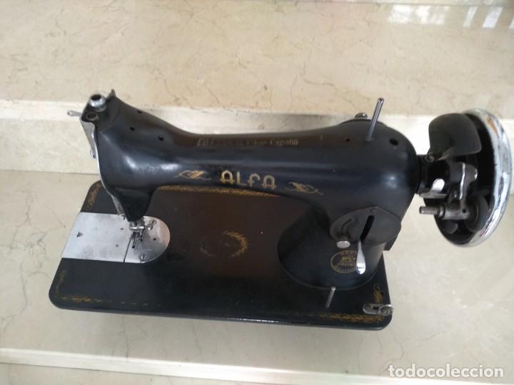 ANTIGUA MAQUINA DE COSER ALFA (Antigüedades - Técnicas - Máquinas de Coser Antiguas - Alfa)