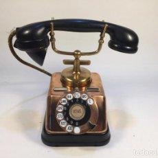 Teléfonos: ANTIGUO TELÉFONO DANÉS D30 DE KTAS DE COBRE Y BAQUELITA CIRCA 1940. Lote 146262237