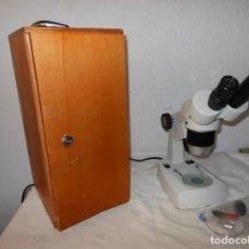 Antigüedades: MICROSCOPIO MOTIC EN CAJA. Lote 146296790