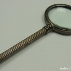 Antigüedades: EXCELENTE ANTIGUA LUPA DE METAL EXCELENTE PIEZA DE COLECCIÓN AÑOS 60. Lote 146318890