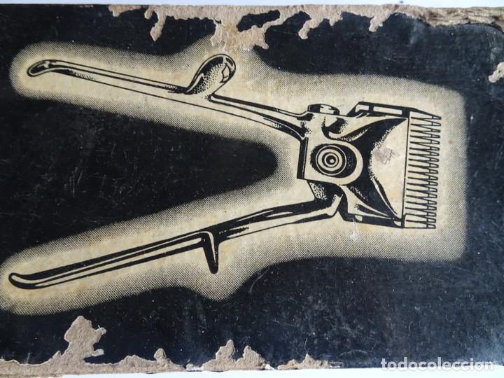 Antigüedades: ANTIGUA MAQUINA DE CORTAR EL PELO, CON SU CAJA , VER FOTOS - Foto 7 - 146349010