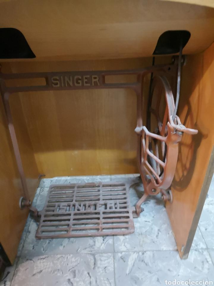 Antigüedades: MAQUINA DE COSER SINGER MANUAL, CON SU PIE. - Foto 8 - 146420497